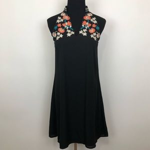 Thml NWT embroidered boho halter dress Small pet